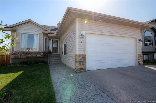 5 Logan  Court, Sylvan Lake, AB - CAN (photo 1)