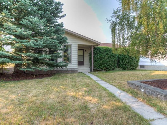 13 Maple Green Wy, Strathmore, AB - CAN (photo 1)