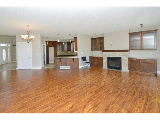 860 Lakewood Ci, Strathmore, AB - CAN (photo 3)