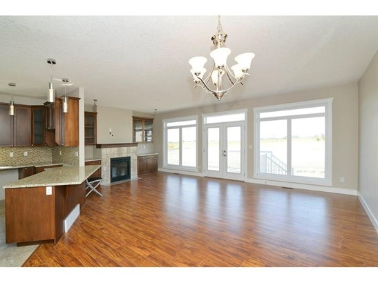 860 Lakewood Ci, Strathmore, AB - CAN (photo 4)