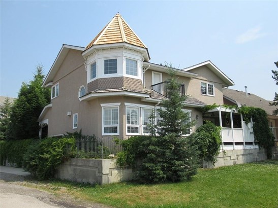 #1 210 Centre St, Sundre, AB - CAN (photo 2)