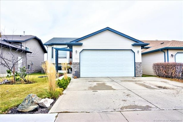 153 Duval  Cres, Red Deer, AB - CAN (photo 3)