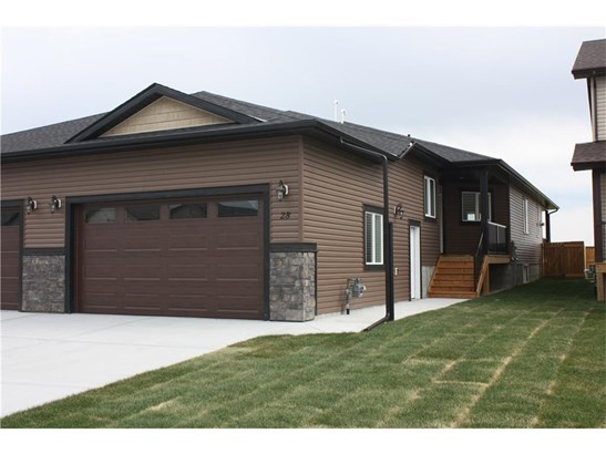 28 Destiny Ln, Olds, AB - CAN (photo 1)