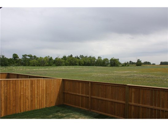 28 Destiny Ln, Olds, AB - CAN (photo 5)