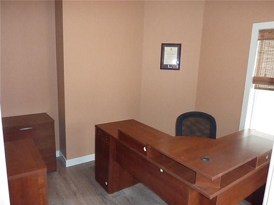 268 Rainbow Falls Wy, Chestermere, AB - CAN (photo 3)