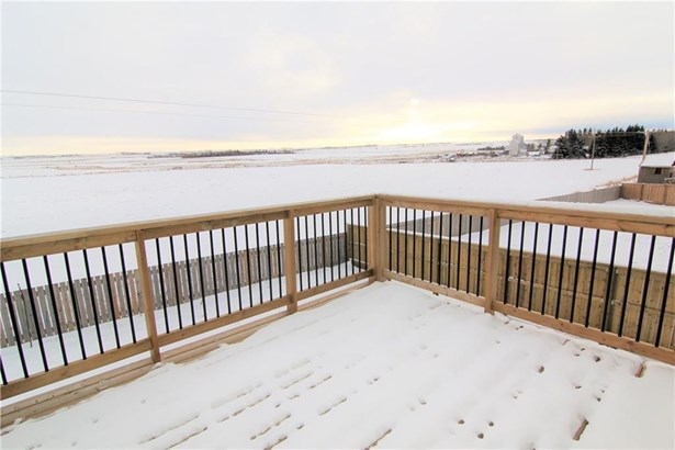 606 Carriage Lane Pl, Carstairs, AB - CAN (photo 2)