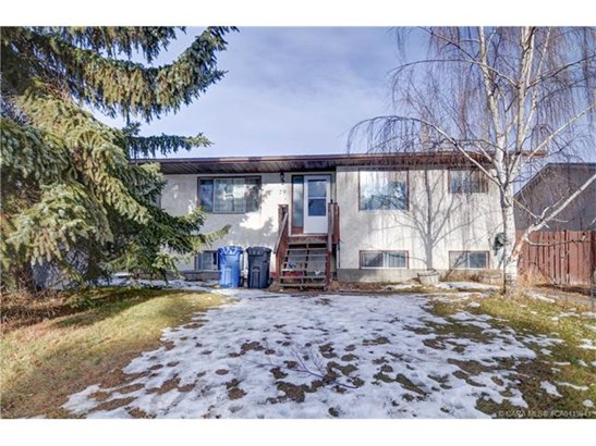 79 Dundee  Cres, Penhold, AB - CAN (photo 1)