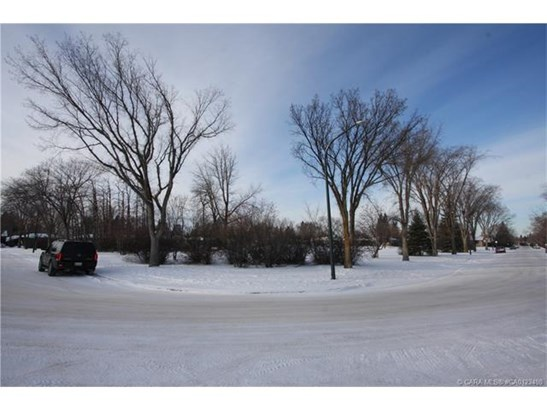 4109 40  St, Red Deer, AB - CAN (photo 3)