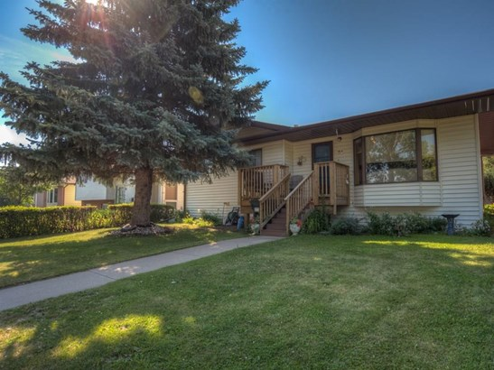 74 Parkwood Cr, Strathmore, AB - CAN (photo 1)