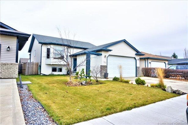 153 Duval  Crescent, Red Deer, AB - CAN (photo 4)
