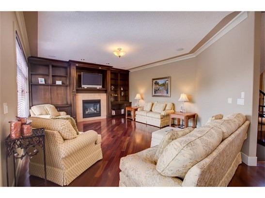 14 Rockcliff Ld Nw, Calgary, AB - CAN (photo 5)