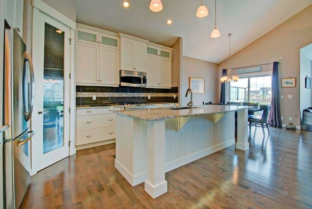 2437 Bayside Ci Sw, Airdrie, AB - CAN (photo 3)