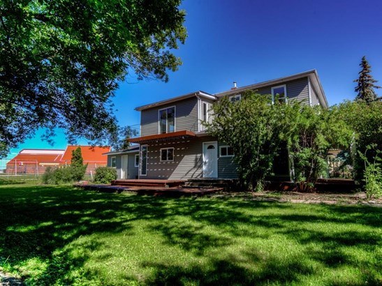 208 Main St, Carseland, AB - CAN (photo 1)