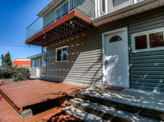 208 Main St, Carseland, AB - CAN (photo 3)