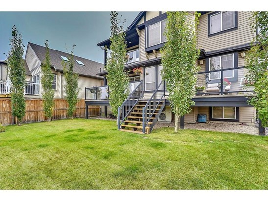 301 Luxstone Gr Sw, Airdrie, AB - CAN (photo 3)