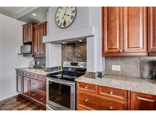 301 Luxstone Gr Sw, Airdrie, AB - CAN (photo 5)