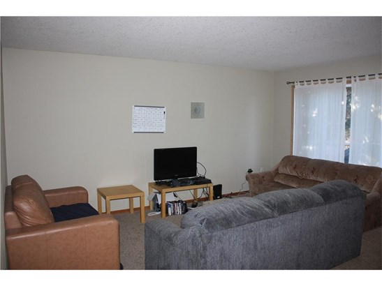 4734 51 St, Olds, AB - CAN (photo 2)