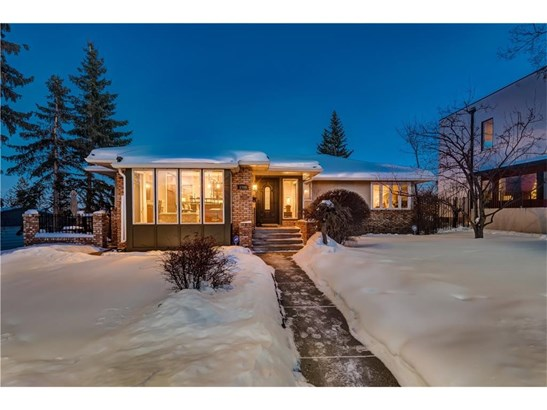 1708 Suffolk St Sw, Calgary, AB - CAN (photo 1)