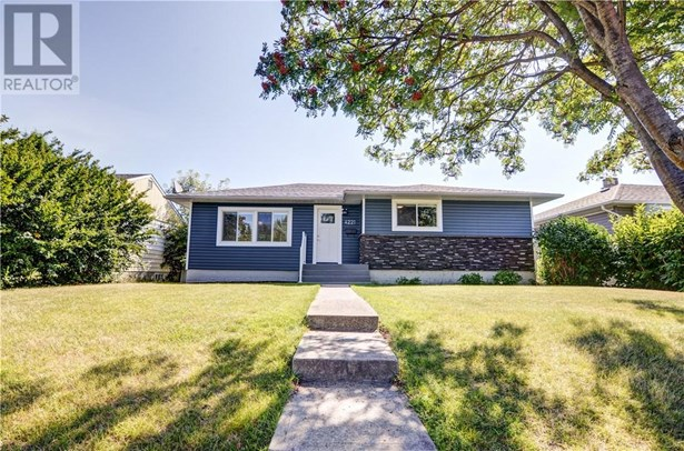 4221 40a  Ave, Red Deer, AB - CAN (photo 1)