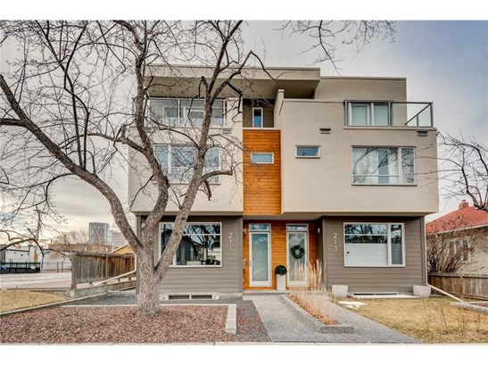 211 8 St Ne, Calgary, AB - CAN (photo 1)