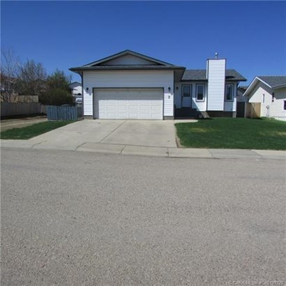 7 Palmer  Close, Sylvan Lake, AB - CAN (photo 1)