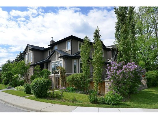 2245 25 St Sw, Calgary, AB - CAN (photo 2)