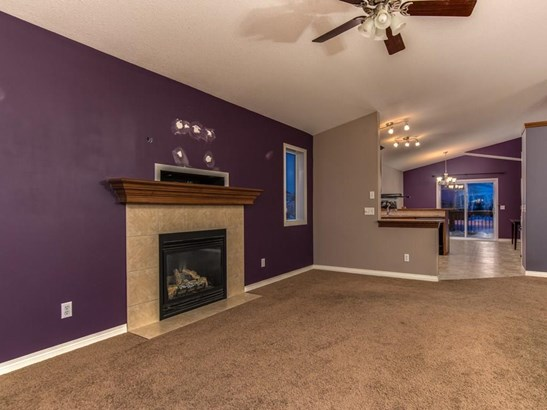 311 Centre St, Strathmore, AB - CAN (photo 5)