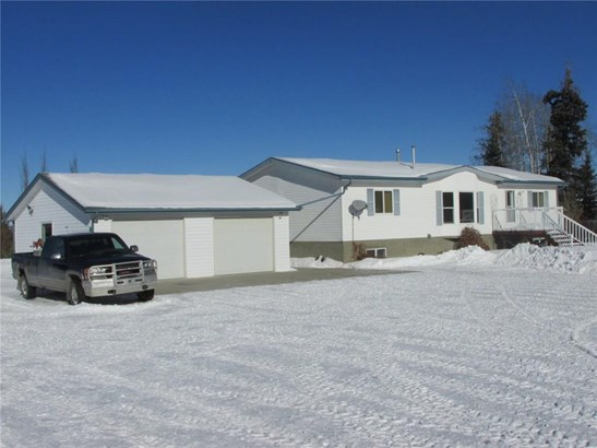 32460, Sundre, AB - CAN (photo 1)