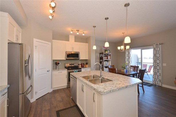 735 Edgefield Cr, Strathmore, AB - CAN (photo 4)