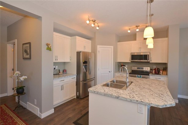 735 Edgefield Cr, Strathmore, AB - CAN (photo 5)