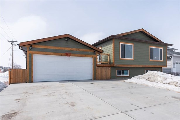 1602 Harrison, Crossfield, AB - CAN (photo 1)