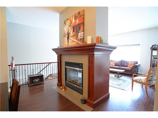 505 Marina Dr, Chestermere, AB - CAN (photo 5)