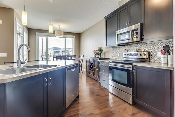173 Rainbow Falls Bv, Chestermere, AB - CAN (photo 5)