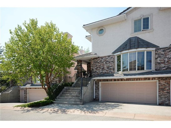 #7 100 Signature Wy Sw, Calgary, AB - CAN (photo 1)