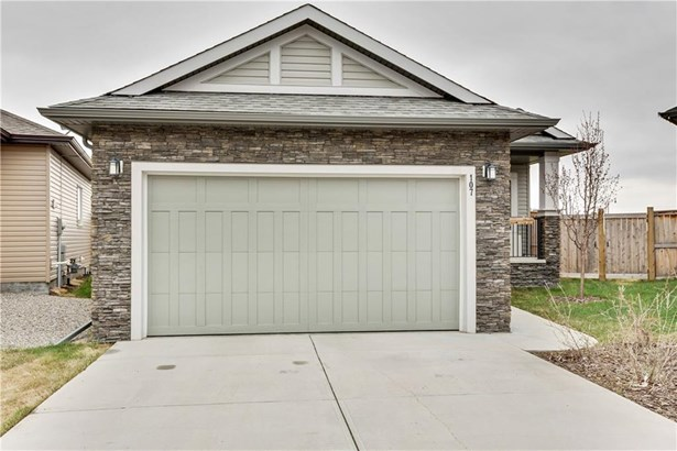 107 Monteith Co Se, High River, AB - CAN (photo 1)