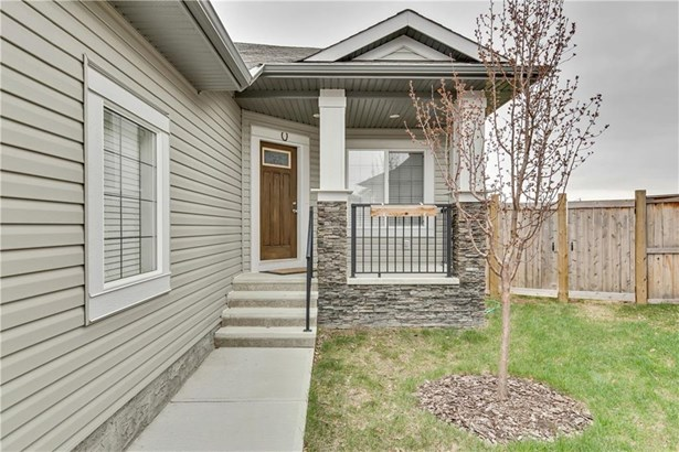 107 Monteith Co Se, High River, AB - CAN (photo 2)