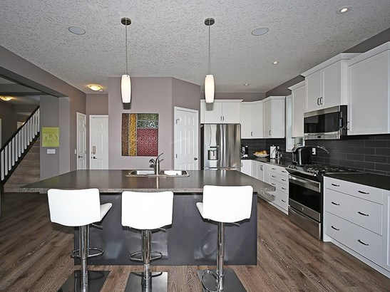 98 Windwood Gv Sw, Airdrie, AB - CAN (photo 3)