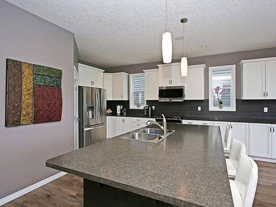 98 Windwood Gv Sw, Airdrie, AB - CAN (photo 4)