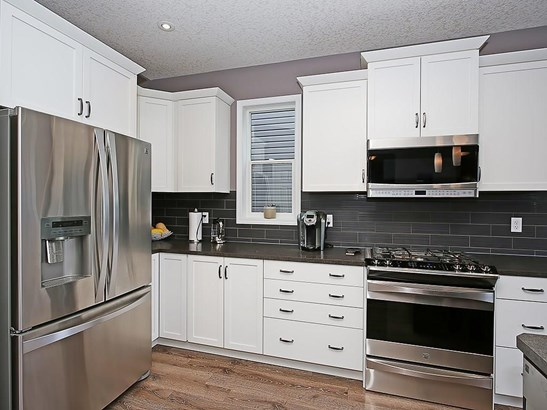 98 Windwood Gv Sw, Airdrie, AB - CAN (photo 5)