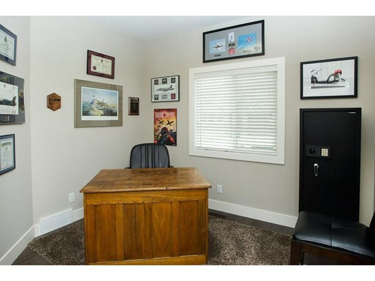 32 Ranchers Cr, Okotoks, AB - CAN (photo 3)