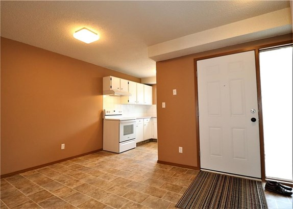 #2 420 Centre St N, Sundre, AB - CAN (photo 3)