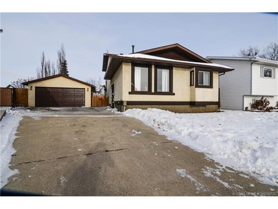 89 Westview  Cres, Blackfalds, AB - CAN (photo 1)