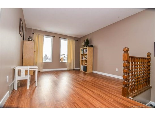 89 Westview  Cres, Blackfalds, AB - CAN (photo 3)