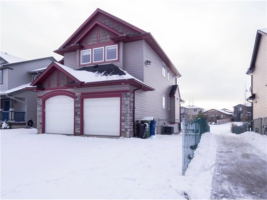 1901 Luxstone Pa Sw, Airdrie, AB - CAN (photo 2)