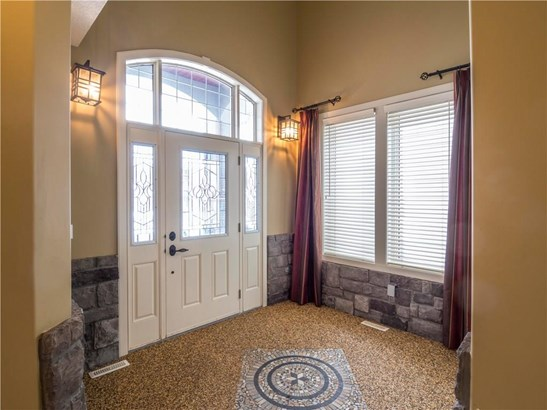 1901 Luxstone Pa Sw, Airdrie, AB - CAN (photo 3)