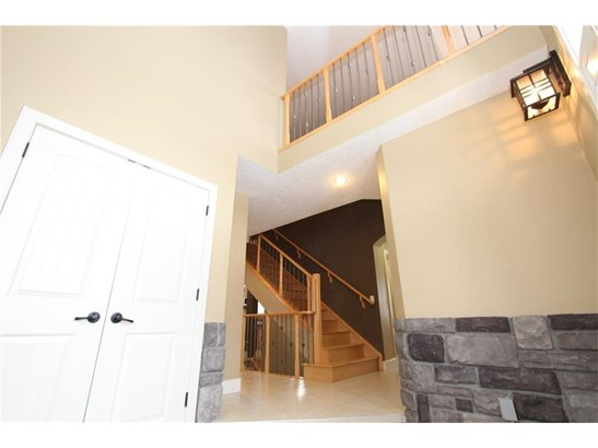 1901 Luxstone Pa Sw, Airdrie, AB - CAN (photo 5)