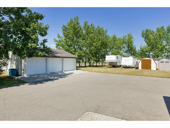 271196 Range Road 13  Nw, Airdrie, AB - CAN (photo 3)