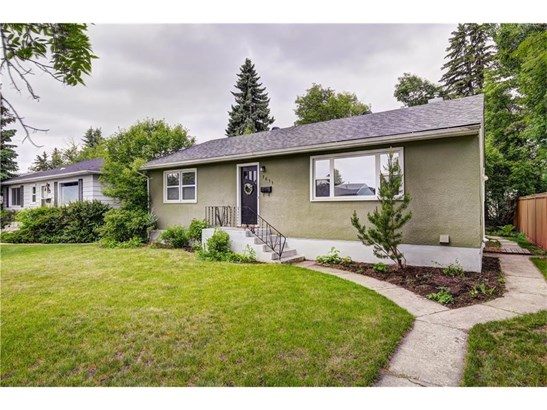 1611 20a St Nw, Calgary, AB - CAN (photo 1)