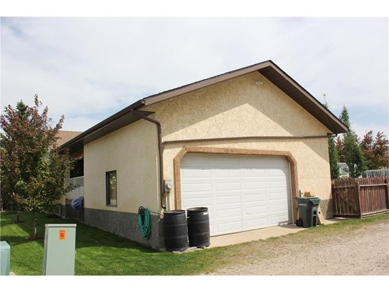 6418 53 St, Olds, AB - CAN (photo 5)