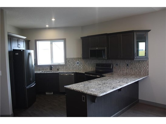 26 Destiny Ln, Olds, AB - CAN (photo 2)